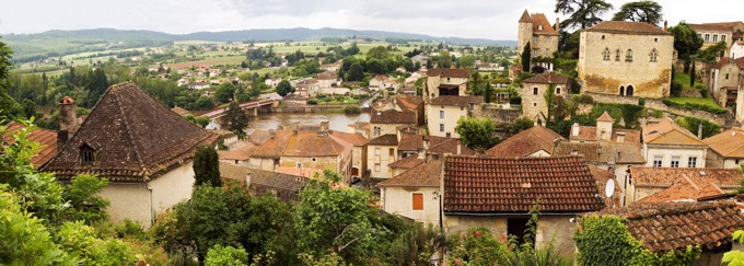 panoramic shot of a Puy l'Eveque in Cahors, France
