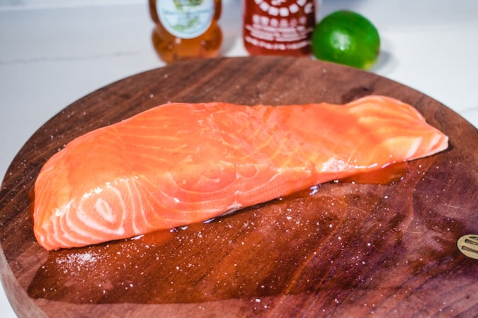 Salmon fillet marinated with sriracha sauce