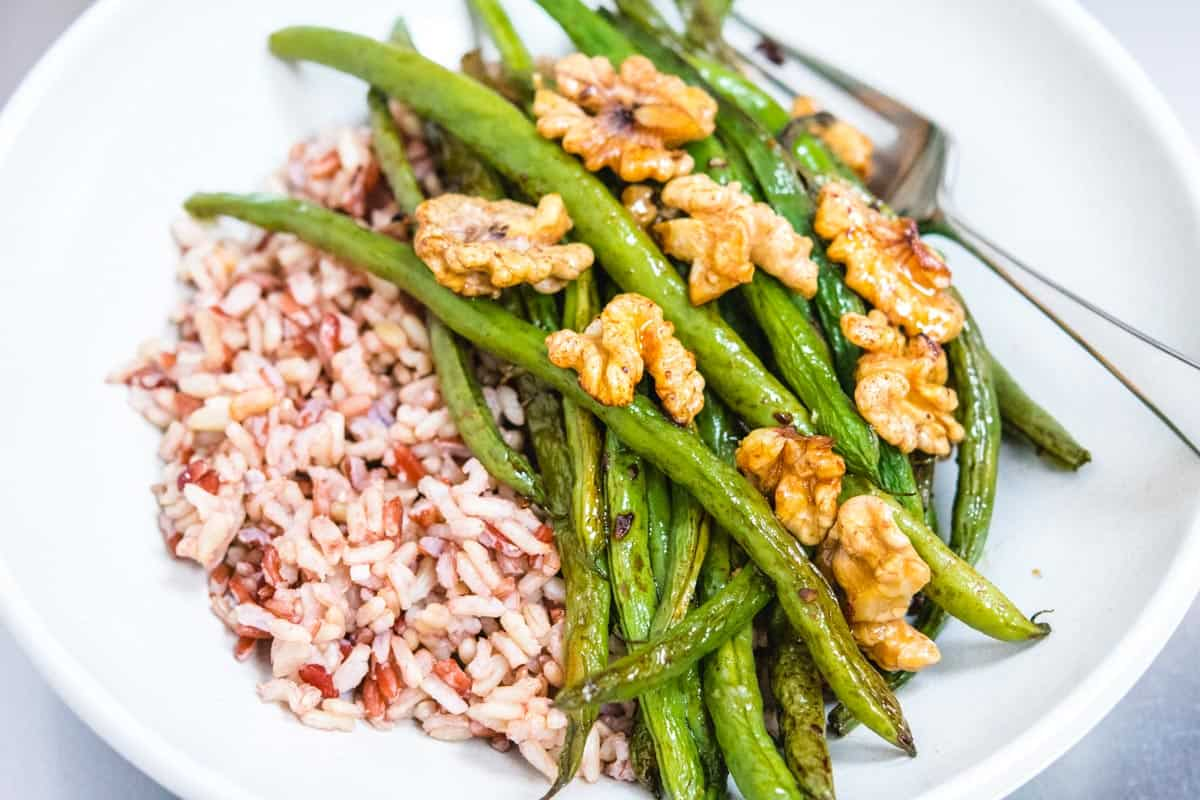 green beans and walnuts with brown jasmine rice