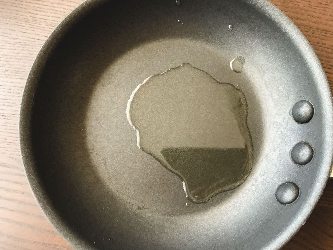 nonstick pan with oil
